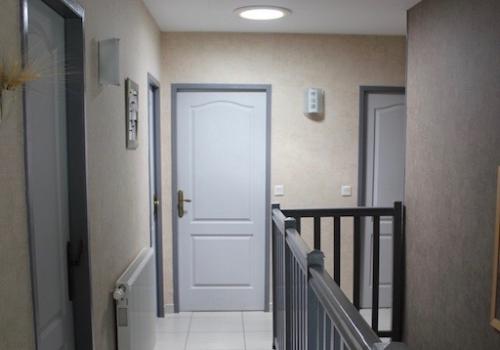 Installation puits de lumière couloir